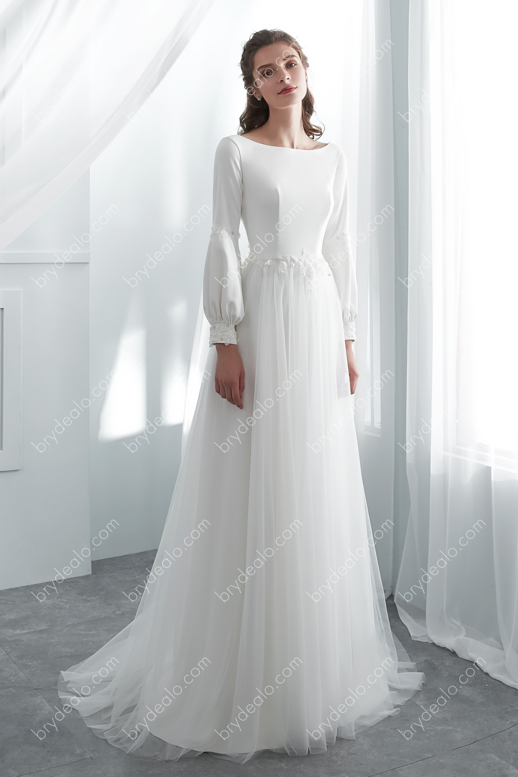 Simple Boho Wedding Dress With Bubble Sleeves